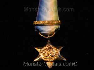 MINIATURE WW2 ATLANTIC STAR WITH FRANCE & GERMANY CLASP